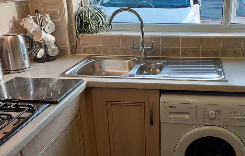 Total Home & Garden Handyman Services | Handyman Crewe | Kitchen Sink and Tap Fitting 1